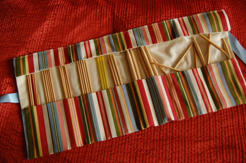 Knitting Needle Case Holder Pattern : Sewing and Knitting Patterns Ideas: Knitting Needle Cases